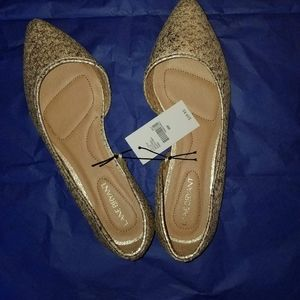 Lane Bryant Size 8W gold flats Ladies size 8W NWT